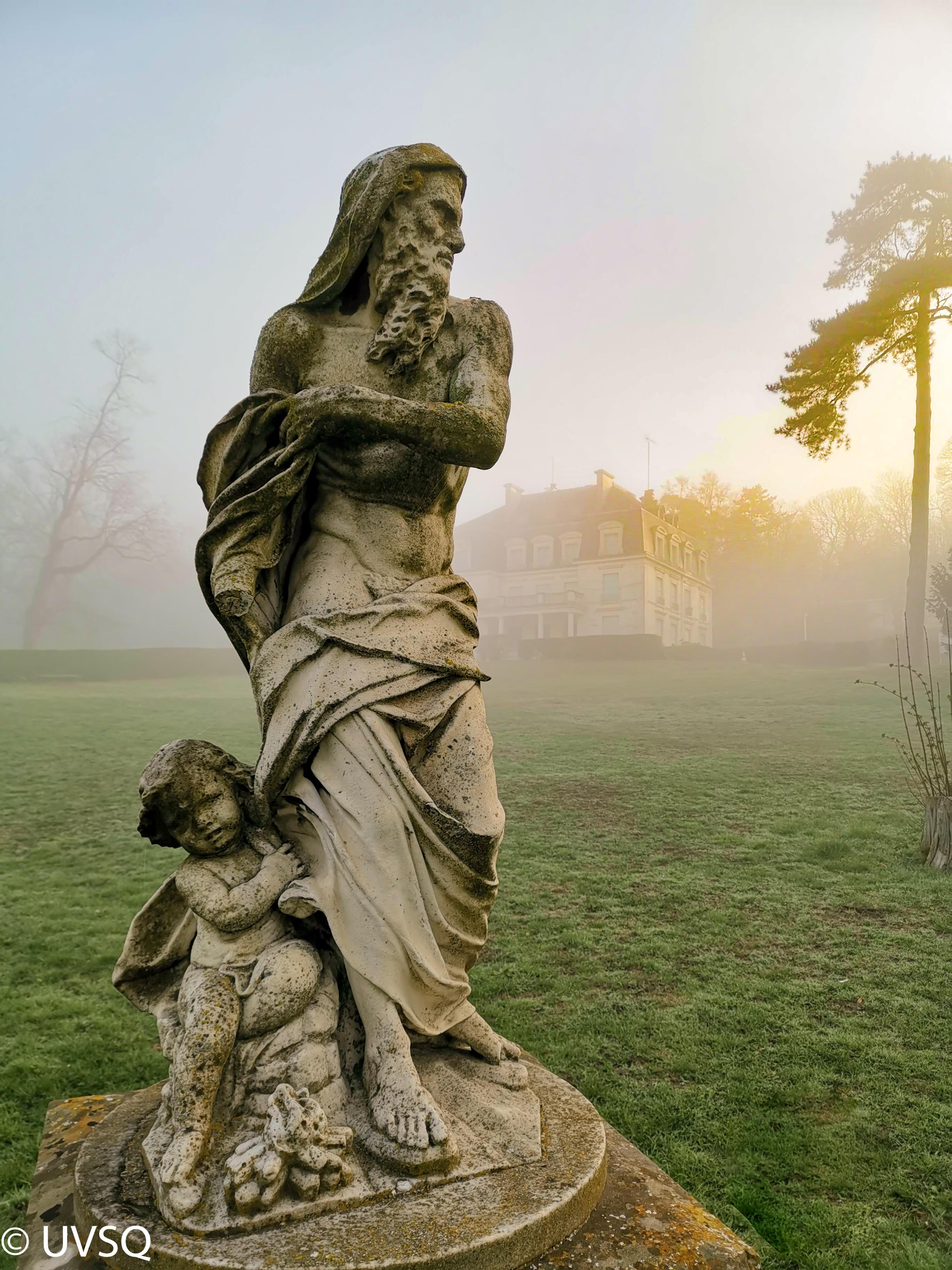 Statue l'homme et l'enfant